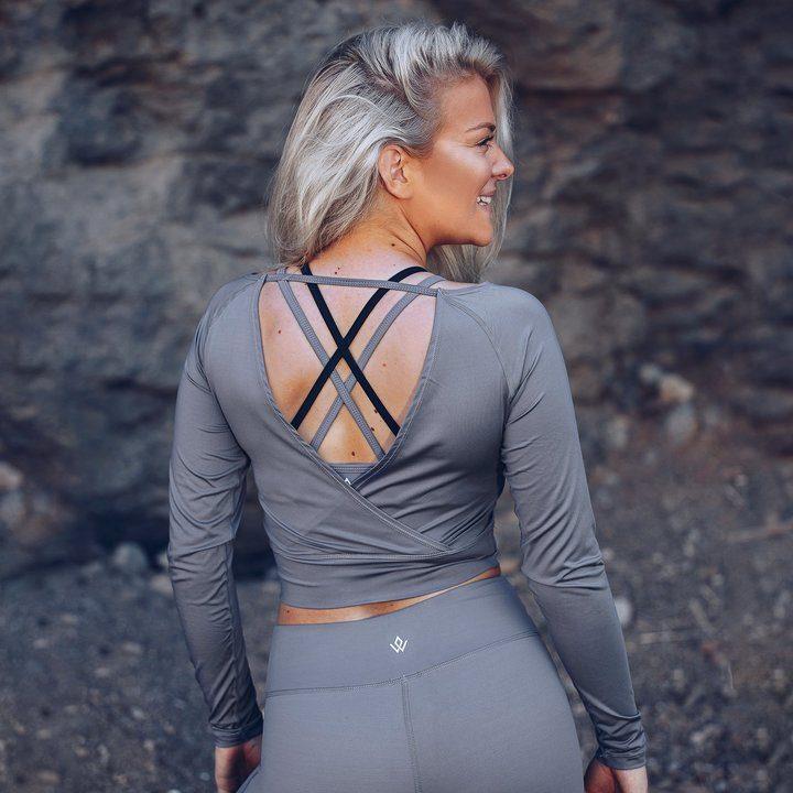 Cropped Longsleeve V-Back Top